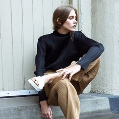 love this effortless, casual look! #streetstylebijoux, #streetsyle, #bijoux