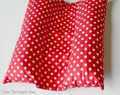 Seat Belt Travel Pillow, Over The Apple Tree
