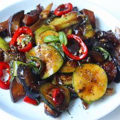 Clean Recipes, Healthy Recipes, Vegetarian Recepies, Asian Street Food, Goulash Recipes, Tomato Pie, Vegan Foods, Curry, Pasta Recipes