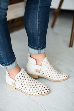 Caila Bootie - Distressed White