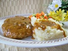 An easy hamburger steak recipe, smothered in brown gravy. Good comfort food!