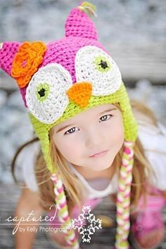 I made these owl beanies for my nephews and nieces.  Blue and brown for the boys.  They loved them.