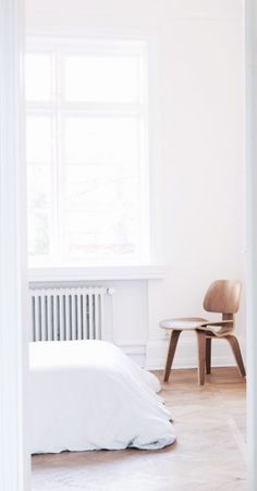 Via NordicDays.nl   Bedroom   Eames Lounge Chair Wood   White