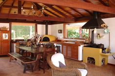 Casa de Campo em Araras: Garagens e edículas Rústico por Cadore Arquitetura