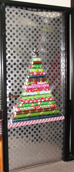 1000 Images About Christmas Door Decorations On Pinterest