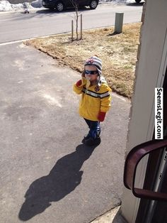 Funny memes This kid came to my door and asked for a banana then left...