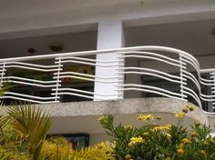 Resultado de imagen de balcones Steel Grill Design, Steel Railing Design, Staircase Railing Design, Pipe Railing, Balcony Grill Design, Balcony Railing Design, Window Grill Design, Door Design, Balustrade Inox