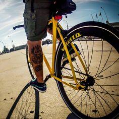 "Nelson Cruz de Oliveira on Instagram: ""Rolling... #igers_lisboa #igerslisboa #igerslx #igersportugal #igers #igersworldwide #ig_europe #wu_portugal #lisboa #lisbon #vsco #vscocam #vscogrid #bike #fixie #singlespeed #commuter #bikeporn #fixedlife #fixedbike #fixieporn #fixedgear #urban #urbanscape #gopro #gopro_boss #p3_verão #retrogram"""