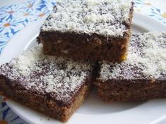 CUKETOVÁ HRNKOVÁ BUCHTA :: RECEPTY ZE ZAHRADY Dessert Recipes, Desserts, Food And Drink, Cupcakes, Sweets, Wall Plug, Bebe, Tailgate Desserts, Deserts