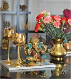 36 Perfect Indian Home Decor Ideas For Your Ordinary Home - Trendehouse decoration ideas for pooja Luxury Homes Interior, Home Interior, Interior Designing, Interior Styling, Ganesha, Decoration Inspiration, Decor Ideas, Room Ideas, Decorating Ideas