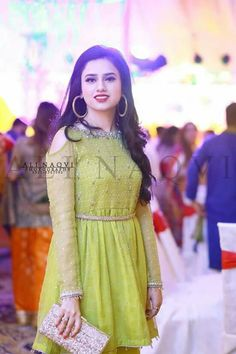 Pakistani Dresses Party, Pakistani Fashion Party Wear, Pakistani Wedding Outfits, Party Wear Dresses, Simple Dresses, Beautiful Dresses, Patiyala Dress, Girl Fashion, Fashion Dresses
