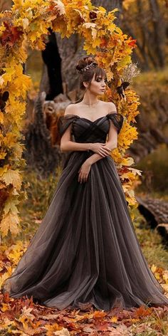 Dark Romance: 24 Gothic Wedding Dresses ★ Source by clothes wedding Disney Wedding Dress, Wedding Dress Black, Goth Wedding Dresses, Halloween Wedding Dresses, Halloween Weddings, Viking Wedding Dress, October Wedding Dresses, Halloween Bride, Halloween Clothes