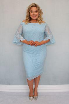 Sukienka BELLA koronkowa hiszpanka może zachwycić niejedną wielbicielkę koronkowych kreacji. Uszyta zgodnie z najnowszymi trendami w modzie dla kobiet plus size pragnących podkreślić swoje walory w subtelny sposób. Dwuwarstwowa, wykonana z najwyższej jakości koronki o wyraźnym kwiatowym deseniu przez polskiego producenta odzieży plus size zorientowanego na projektowanie dla kobiet noszących duże rozmiary. Bella, Sephora, Sweaters, Dresses, Fashion, Vestidos, Moda, Fashion Styles, Sweater