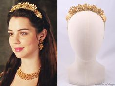 """In the episode 2x12 (""""Banished"""") Queen Mary wears this Viktoria Novak Aedos Headband.Worn with a Magwood Boutique earrings."""