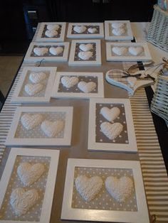 Hobby shabby e country Clay Crafts, Wood Crafts, Diy And Crafts, Paper Crafts, Clay Christmas Decorations, Valentine Decorations, Salt Dough Crafts, Diy Furniture Easy, Shabby Chic Crafts