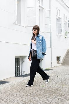 "outfit details: denim jacket – Stradivarius shirt – Funktion Schnitt pants – Zara sneakers – Converse Chucks  brooch – Chanel  bag – Stella McCartney Mini Falabella sun glasses – Ray-Ban ""Round Metal"""