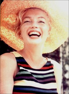 Marilyn  Monroe by eve arnold 1955