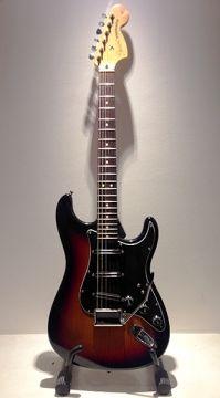(it) Fender Stratocaster 2001