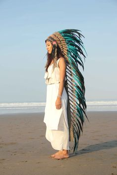 green indian headdress chief warbonnet green par etnikabali sur Etsy i'd love to have thi headdress , what a lovely color all made by natural element , check it out ;) ! enjoy !!