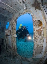 #SCUBA diving in #KeyLargo, checking out the Spiegel Grove wreck.