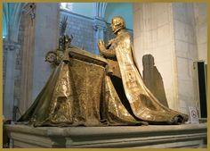 SEPULCRO DEL OBISPO DON CRISTÓBAL DE ROJAS Y SANDOVAL. Lo diseñó Pompeo Leoni y la hicieron Juan de Arfe y Villafañe Lesmes. Está en la Colegiata de San Pedro, Lerma (Burgos)