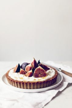 fig and buckwheat breakfast tart