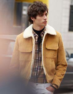 Vintage-Style corduroy jacket in 2019 Rugged Style, Blouson Vintage, Style Brut, Sandro, Jacket Images, Vintage Stil, Shoes With Jeans, Corduroy Jacket, Costume