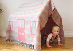 Little Blanket Hideaway - Donna Wilson