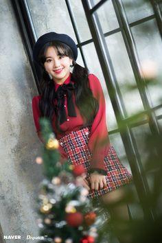 Twice-Chaeyoung Girl group maknase's christmas patty Nayeon, Kpop Girl Groups, Kpop Girls, Rapper, Chaeyoung Twice, Twice Kpop, Dahyun, Twice Once, Entertainment