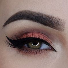 Love the peachy coral lid