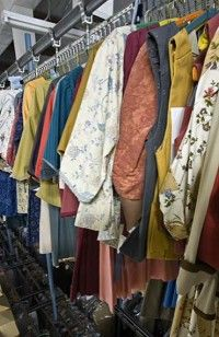 Visit Colonial Williamsburgu0027s Costume Design Center & 56 best Colonial Costumes images on Pinterest | 18th century fashion ...