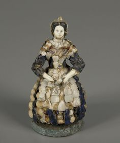 Shell Doll, 1850.  At this date, seamen from Le Croisic-Le Pouliguen (South Brittany) were spezialized in that type of Folk Art