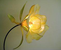 Nasturtium Floor Lamp - HiiH Hand Made Paper Lights Flower Lamp, Flower Lights, Fairy Lights, Light Art, Lamp Light, Craft Font, Diy Luminaire, How To Make Paper, Beautiful Lights