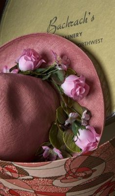 "Pink straw hat and hat box from Bachrach's Millinery in Washington, DC- from the Washington Post's ""Church ladies and their big, bold hats: A fading tradition"" Simple Minds, Beautiful Wedding Rings, Church Hats, Hat Boxes, Hat Shop, Love Hat, Everything Pink, Cool Hats, Hat Pins"