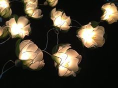 White Lotus with leaf string lights for Patio,Wedding,Party and Decoration (20 bulbs) op Etsy, 12,32€