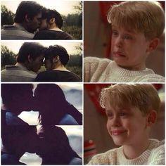 Reactions to Katniss and Gale kissing vs Katniss and Peeta kissing. I love Peeta way more than Gale TEAM PEETA <3