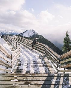 Sulphur Mountain | Banff, Alberta, Canada. See Instagram photos and videos from MICHELLE HALPERN ☼ TRAVEL (@livelikeitsthewknd)