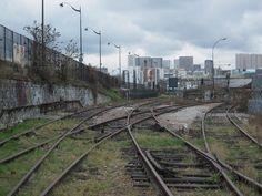 triangle de Bercy Bahn, Post Apocalyptic, Railroad Tracks, Triangle, Painting, Trains, Videos, Photos, The Neighborhood