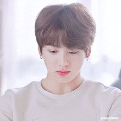 Animated gif shared by World KPOP. Find images and videos about gif, bts and jungkook on We Heart It - the app to get lost in what you love. Jungkook Lindo, Jungkook Smile, Jungkook Cute, Foto Jungkook, Jungkook Oppa, Bts Bangtan Boy, Taehyung, Namjoon, Boyfriends