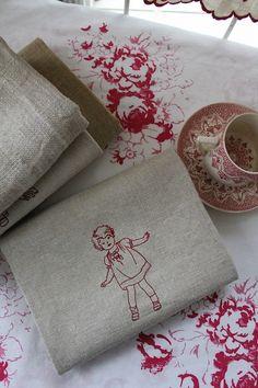 「フランスアンティークリネン+エンブロイダリー A」ココン・フワット Coconfouato [アンティーク&雑貨] アンティーククロス アンティークファブリック アンティークテキスタイル ファブリック レース --cloth--