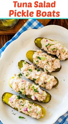 Low Carb Tuna Salad Pickle Boats (keto, paleo) - S. - Low Carb Tuna Salad Pickle Boats (keto, paleo) – Skinny Southern Recipes Source by FMSCLiving Healthy Low Carb Recipes, Diet Recipes, Healthy Snacks, Healthy Eating, Cooking Recipes, Skinny Recipes, Healthy Southern Recipes, Healthy Tuna Recipes, Slimfast Recipes