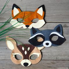 "Oh ""deery"" my! Woodland Felt Animal Masks and TutorialOh ""deery"" my! Woodland Felt Animal Masks and TutorialWoodland nursery decor felt forest animals forest animals baby room decor Christmas . Diy For Kids, Crafts For Kids, Crafts With Felt, Felt Kids, Dragon Mask, Felt Finger Puppets, Homemade Halloween Costumes, Halloween Party, Halloween Felt"