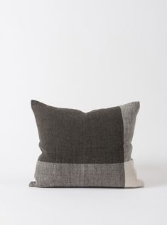 This handwoven Chester Linen Cushion Cover has an organic, textured finish with a simple two-tone design in minimal pepper and chalk hues. Outdoor Cushions, Cushion Covers, Hand Weaving, Fancy, Throw Pillows, Design Shop, Chester, Entrance, Hand Knitting