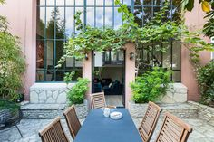Channel Parisian Glamour With a Stay in This Striking Montmartre Townhouse - Dwell