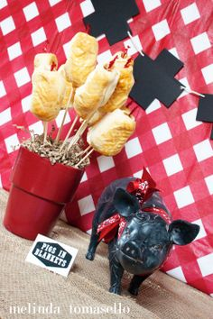 Flair Party  ~ Pigs in Blankets themed photo shoot | inspiration Cross + Plus garland by the @Carmen Yee - theflairexchange.com  | inspiration behind the photo shoot | Flair Exchange Ambassador | photo by melinda tomasello #flairparty #flairambassador