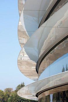 Apple新社屋「Apple Park」が4月オープン 「スティーブ・ジョブズ・シアター」も
