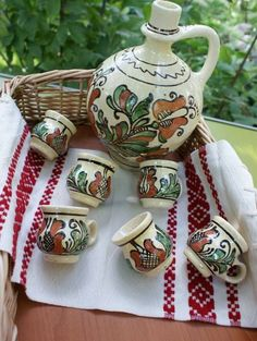 Set serviciu ceramic traditional pentru palinca, tuica, rachiu Eurasian Steppe, Best Memories, Folk Art, Activities For Kids, Arts And Crafts, Pottery, Culture, Traditional, 1 Decembrie
