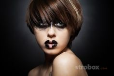 Headshot photo and lighting setup with Beauty Dish by Anton Dimov on strobox.com