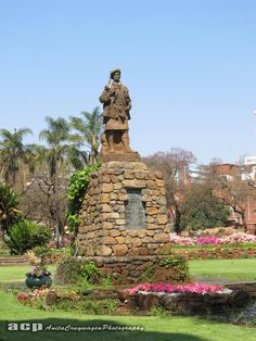 """In Burgers Park: """"To the glory of God In affectionate rememberance of the officers and men of the South African Scottish who laid down their lives in the great war Gladly they lived and gladly died"""" Pretoria, Public Art, Burgers, South Africa, British, African, War, Statue, Places"""