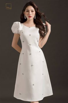 Silk saree dress idea with embellishments. Modest Dresses, Simple Dresses, Pretty Dresses, Casual Dresses, Short Dresses, Modest Fashion, Fashion Dresses, Frock Design, Dress Tutorials
